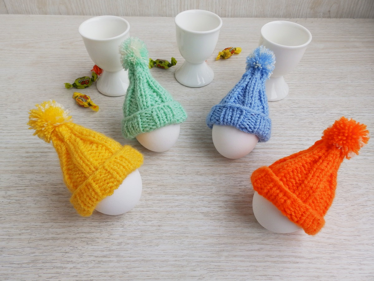 Hand Knitted Easter Cozy Egg Hats, Set of 4 Knit Egg Warmers Dining Ornaments...